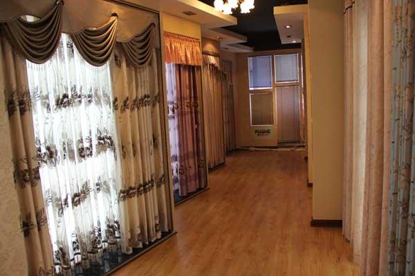 巴洛克窗帘展示-专卖店展厅-乐山装饰网