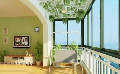 开放式的阳台设计,有欧式清新感的家居设计,阳台部分的秋千椅很有休闲